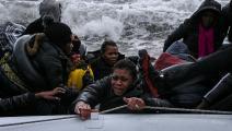 اللاجئون تركوا مرات لمصيرهم (أريس ميسينيس/ فرانس برس)