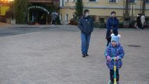 عائلة روسية مع طفل واحد في روسيا (العربي الجديد)