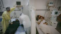 مرضى في مستشفى في إدلب في سورية (محمد سعيد/ الأناضول)