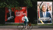 لافتات انتخابية في ألمانيا (ينغ تانغ/ Getty)