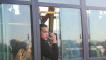 رجل مصري في حافلة في مصر (فايد الجزيري/ Getty)