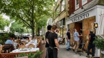 عودة بطيئة لزبائن المطاعم في نيويورك (getty)