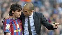 Barcelona's coach Pep Guardiola (R) talks with Barcelona's Argentinian forward Lionel Messi during their Spanish League football match between Barcelona and Jerez on April 24, 2010 at Camp Nou stadium in Barcelona. AFP PHOTO/LLUIS GENE (Photo credit should read LLUIS GENE/AFP via Getty Images)