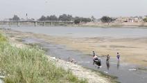 جفاف نهر الفرات ينذر بكارثة في العراق (فرانس برس)