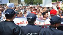 عمال الجزائر-اقتصاد-2-5-2016 (الأناضول)