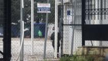 طفل مهاجر في مخيم في اليونان - مجتمع