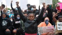 احتجاجات في شارلوت بعد مقتل جورج فلويد(لوغان سايرس/فرانس برس)
