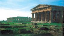 مدينة بيستوم الأثرية الإيطالية