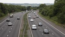 طريق سريع في بريطانيا/مجتمع (مايك كيمب/ Getty)