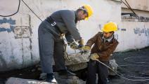 تعرض شبكة الكهرباء العراقية للتخريب (ديميتر ديلكوف/فرانس برس)