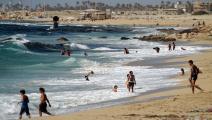شاطئ بحر في ليبيا - مجتمع