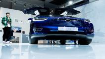 من أحدث موديلات الشركة المتخصصة بالسيارات الكهربائية (فرانس برس)