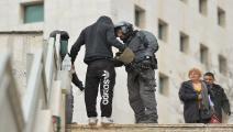 تضييق مستمر على الفلسطينيين من قوات الاحتلال (Getty)