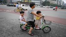 سياسة إلزام الأسر بإنجاب طفلين بالصين ستتوقف(غريغ بيكر/فرانس برس)