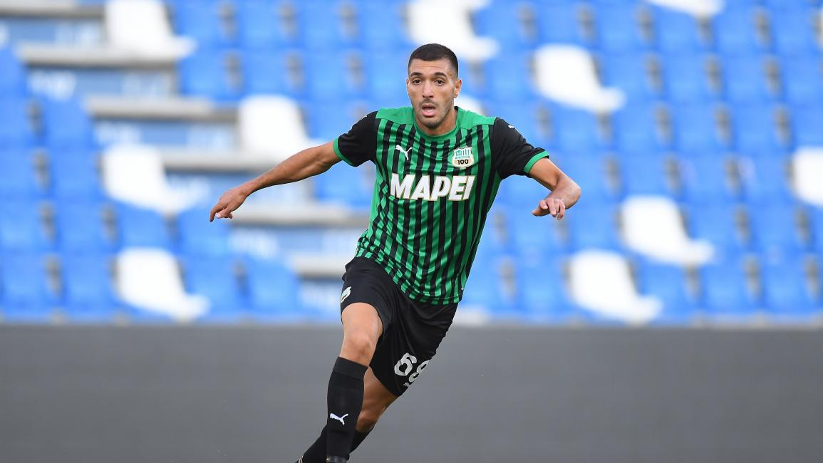 REGGIO NELL'EMILIA, ITALY - SEPTEMBER 13: Mehdi Bourabia of US Sassuolo in action during the Pre-Season Friendly match between US Sassuolo v Pisa SC at Mapei Stadium - Citta' del Tricolore on September 13, 2020 in Reggio nell'Emilia, Italy. (Photo by Alessandro Sabattini/Getty Images)