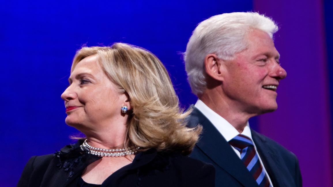القصة الكاملة لطلب هيلاري الطلاق من بيل كلينتون