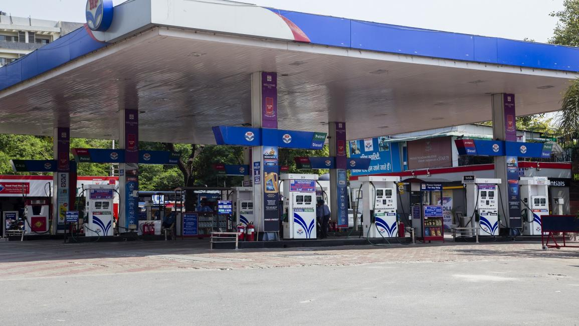 india, gas station