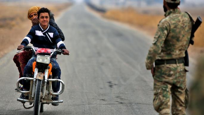 """نزوح عشرات العائلات من ريف الرقة بسبب التصعيد بين المعارضة و""""قسد"""""""