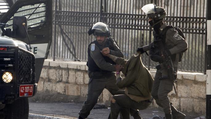 مستوطنون يواصلون اعتداءاتهم والاحتلال ينفذ اعتقالات بالضفة والقدس