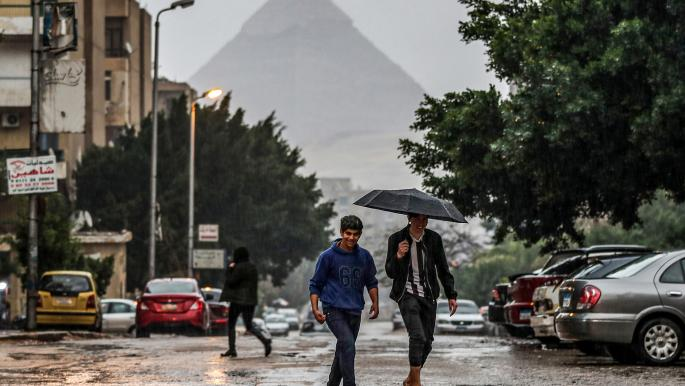 رئيس الوزراء المصري يوجه برفع حالة الطوارئ لمواجهة الطقس السيئ