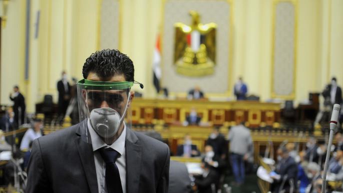السيسي يدعو مجلسي النواب والشيوخ للانعقاد مطلع أكتوبر