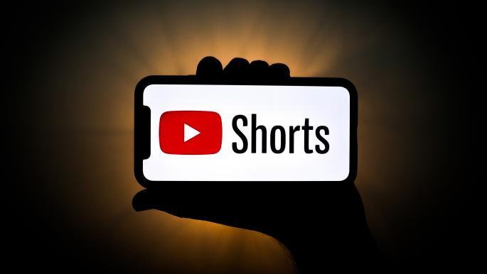 """3.5 مليارات مشاهدة يومياً لـ""""يوتيوب شورتس"""" في الهند"""