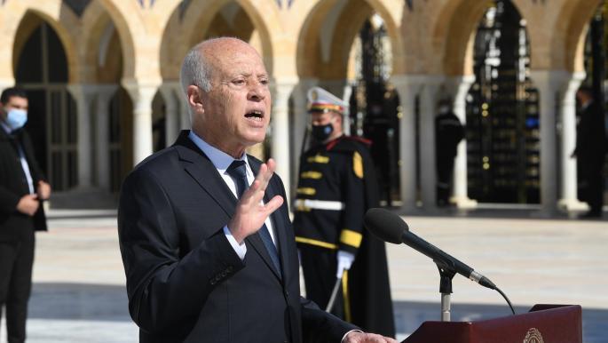 هل يجتمع معارضو الرئيس التونسي على التصدّي لقراراته؟