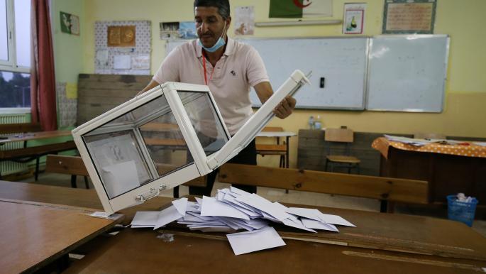 لماذا شارك الجزائريون بنسب متدنية في الانتخابات النيابية؟