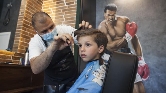 ارتفاع تكلفة قصّ شعر الأطفال بعد فتح الصالونات في ألمانيا