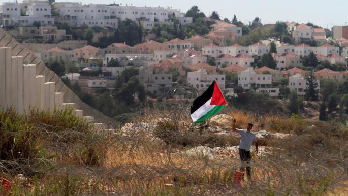 الاحتجاجات تجبر جيش الاحتلال على إزالة بؤرة استيطانية بالضفة الغربية
