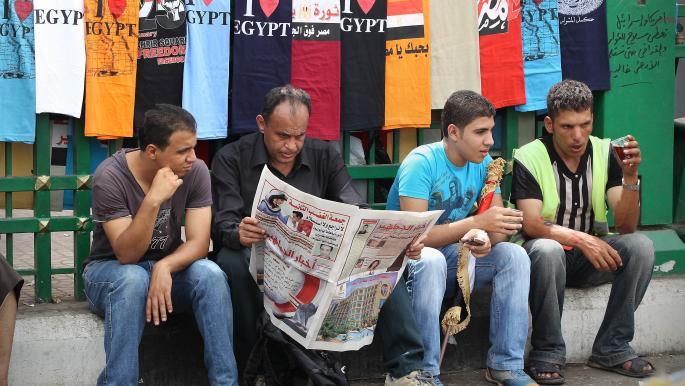 السجن يغيب صحافيين مصريين: ضريبة الانحياز للثورة