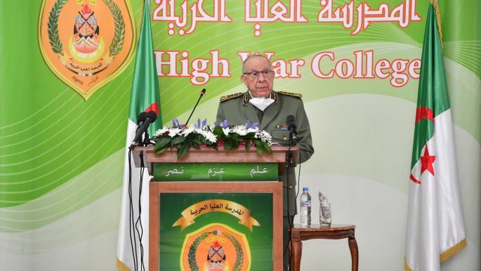 قائد الجيش الجزائري يحذر من حرب دعاية وتضليل تستهدف البلاد