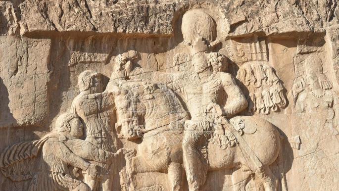 """""""اضمحلال الإمبراطورية الساسانية"""": في الإجابة عن لغز تاريخي"""