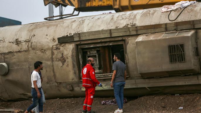 تهالك قطارات مصر: فساد وعمال بلا حقوق