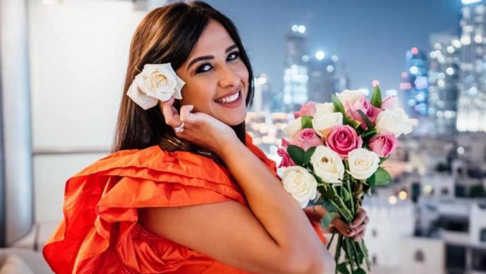 ياسمين عبد العزيز تعود إلى مصر بعد رحلة علاجية في سويسرا