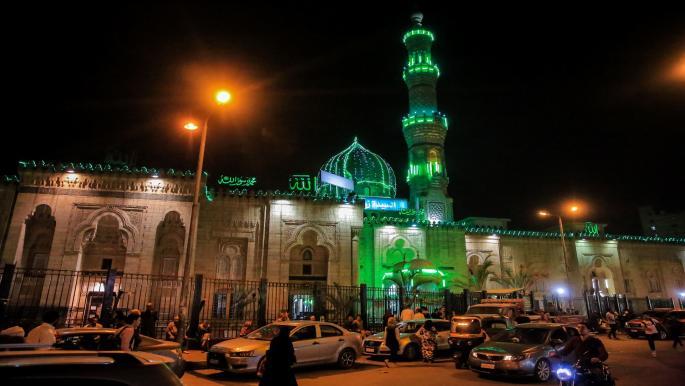 18 دولة عربية تستقبل رمضان الاثنين وع مان وجزر القمر الثلاثاء