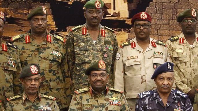 الجيش السوداني .. تاريخ من الانقلابات والصراع على السلطة